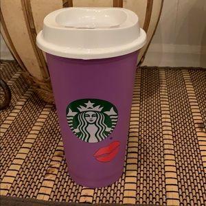 Starbucks Colour change lips for hot new